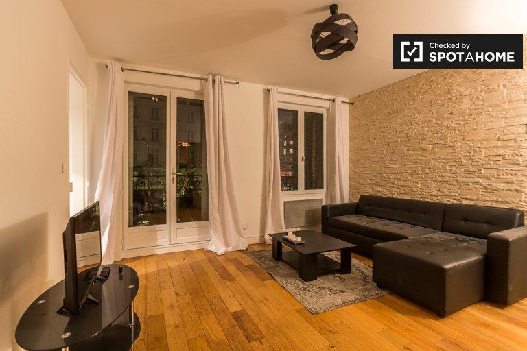 Spazioso appartamento con 2 camere da letto e balcone in affitto a Parigi