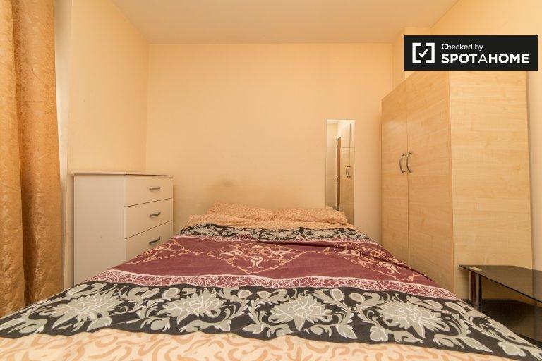 Zimmer in WG mit 5 Schlafzimmern in Tower Hamlets, London