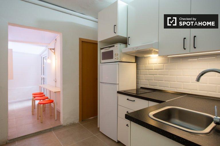 4-pokojowe mieszkanie do wynajęcia w L'Hospitalet de Llobregat