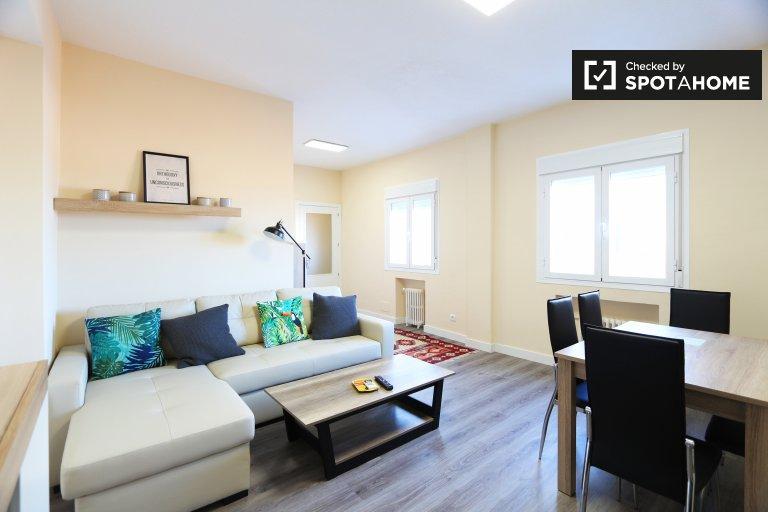 Apartamento de 3 quartos para alugar em Príncipe Pío, Madrid