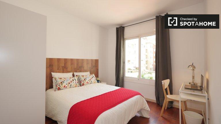 Habitación luminosa en alquiler en Putxet, Barcelona.