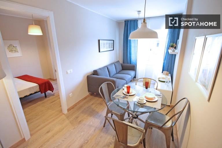 3-bedroom refurbished apartment for rent in Horta Guinardó, Barcelona