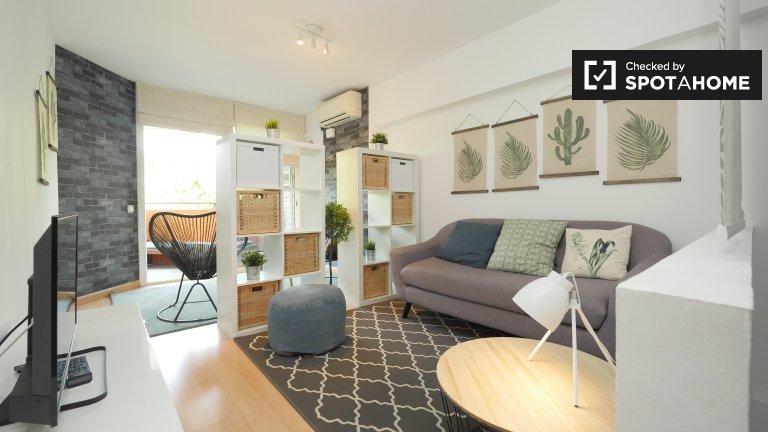 Wonderful room in apartment, Villa Olímpica, Barcelona