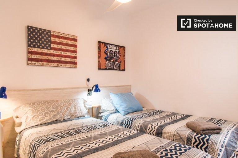 Accogliente camera in appartamento con 2 camere da letto a Jesús, Valencia