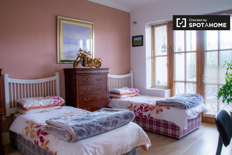 Acolhedor quarto em apartamento compartilhado em Carrickmines, Dublin