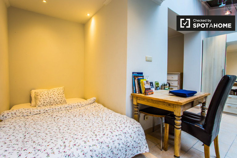 Bedroom 6 - double bed and private terrace