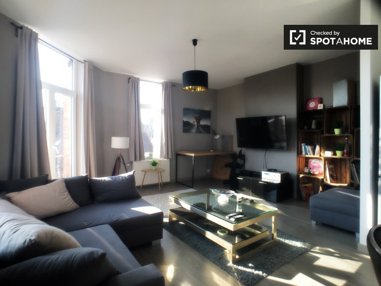 Large 2-bedroom apartment for rent in Schaerbeek, Brussels