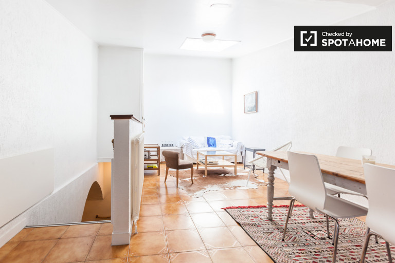 Charming 3-bedroom house with terrace for rent in Boulogne Billancourt