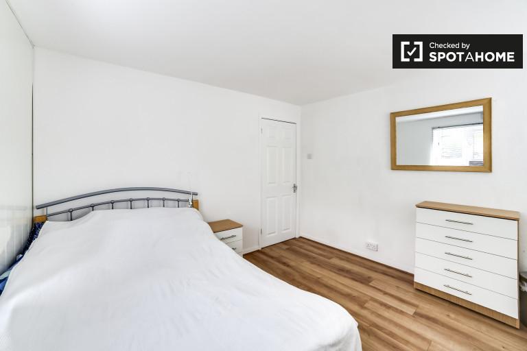 Grande chambre dans un appartement de 4 chambres à Shoreditch, Londres