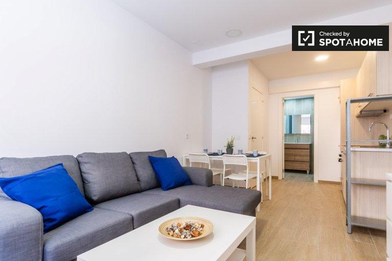 Zręczny apartament z 1 sypialnią do wynajęcia w Sants, Barcelona
